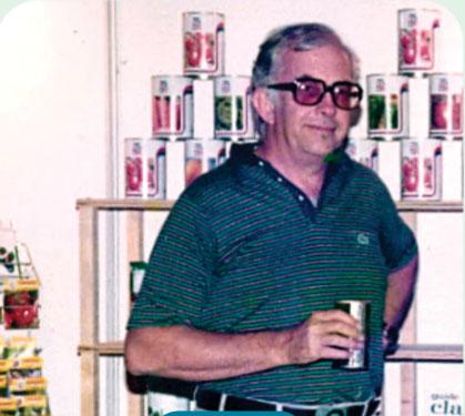 A história da Agristar começa aqui, quando Ib John Hornemann negocia a representação da empresa dinamarquesa de sementes L. Daehnfeldt no Brasil.