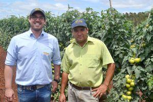 Valter Filho (Topseed Premium) e Marcelo André de Souza (Gerente da Roça)