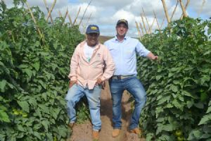 Agricultor Irailson de Oliveira e Valter Filho (Topseed Prmeium)