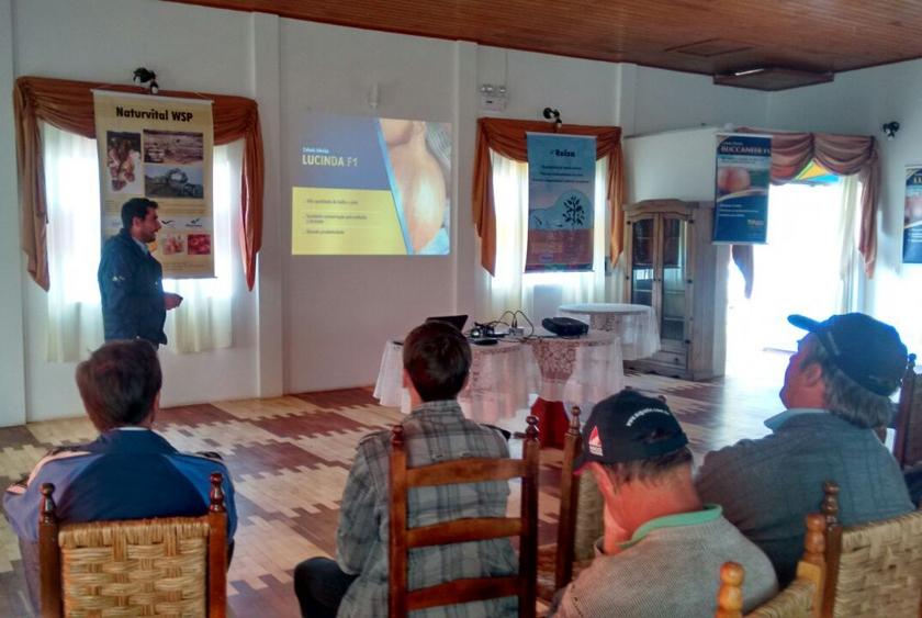 Treinamento sobre cebolas híbridas é realizado em Irineópolis (SC)
