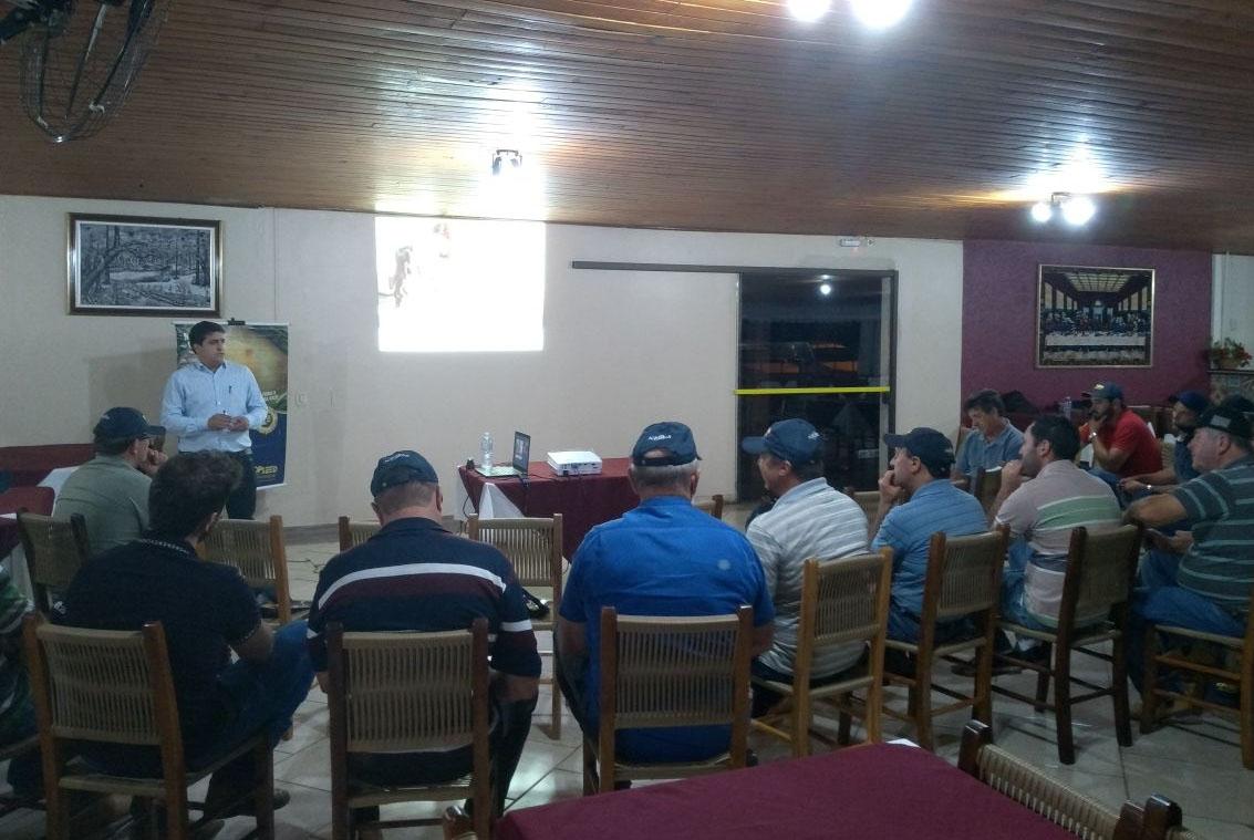 Palestra em Irati (PR) traz debate sobre o manejo de cebolas híbridas
