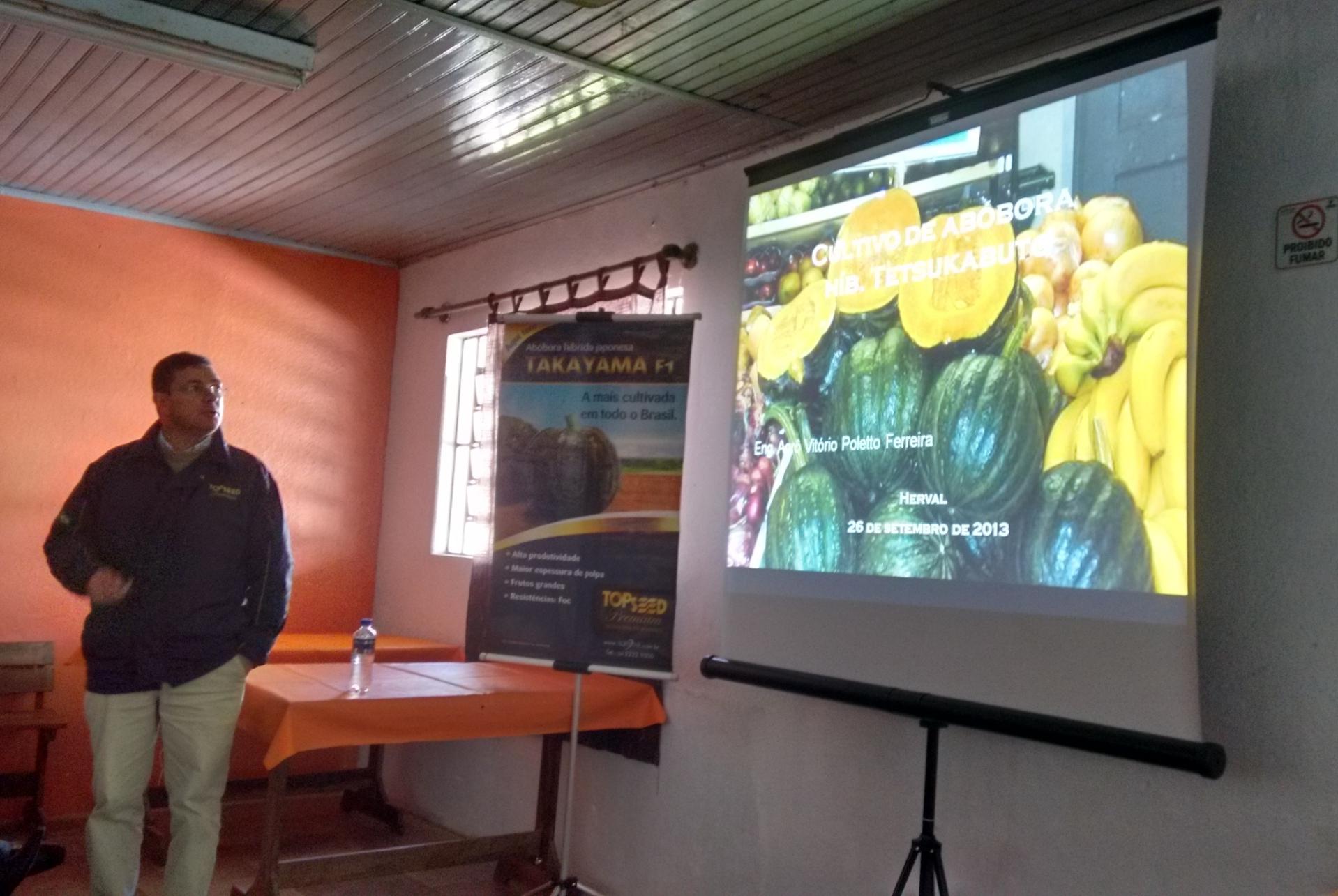 Topseed Premium realizou palestra sobre abóbora takayama em Herval (RS)