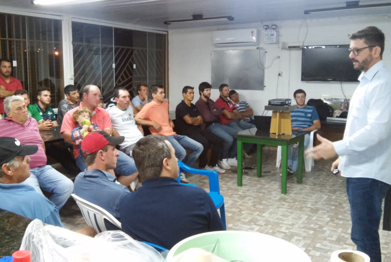 Topseed Premium realiza palestra em Chapecó (SC)