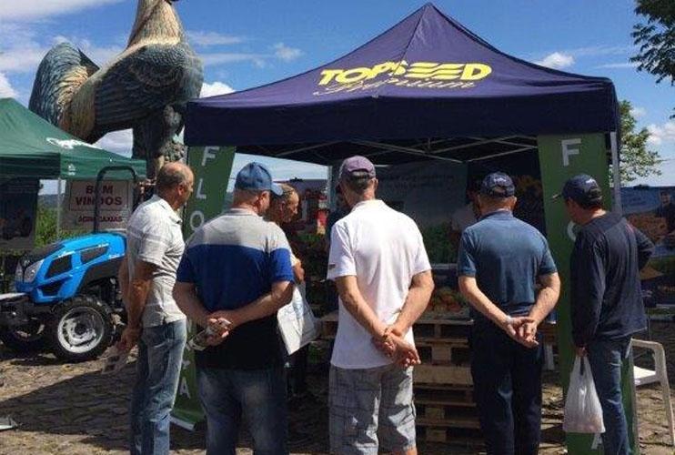 Topseed Premium demonstra materiais na 9ª Mostra Flores, em Flores da Cunha (RS)