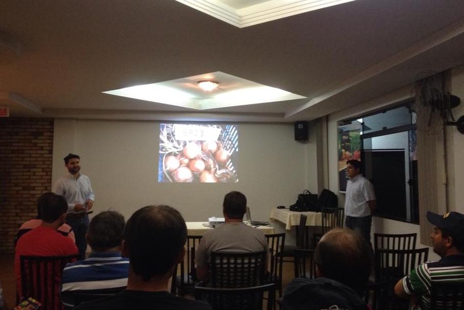 Cebolas híbridas Topseed Premium são tema de treinamento em Irati (PR)