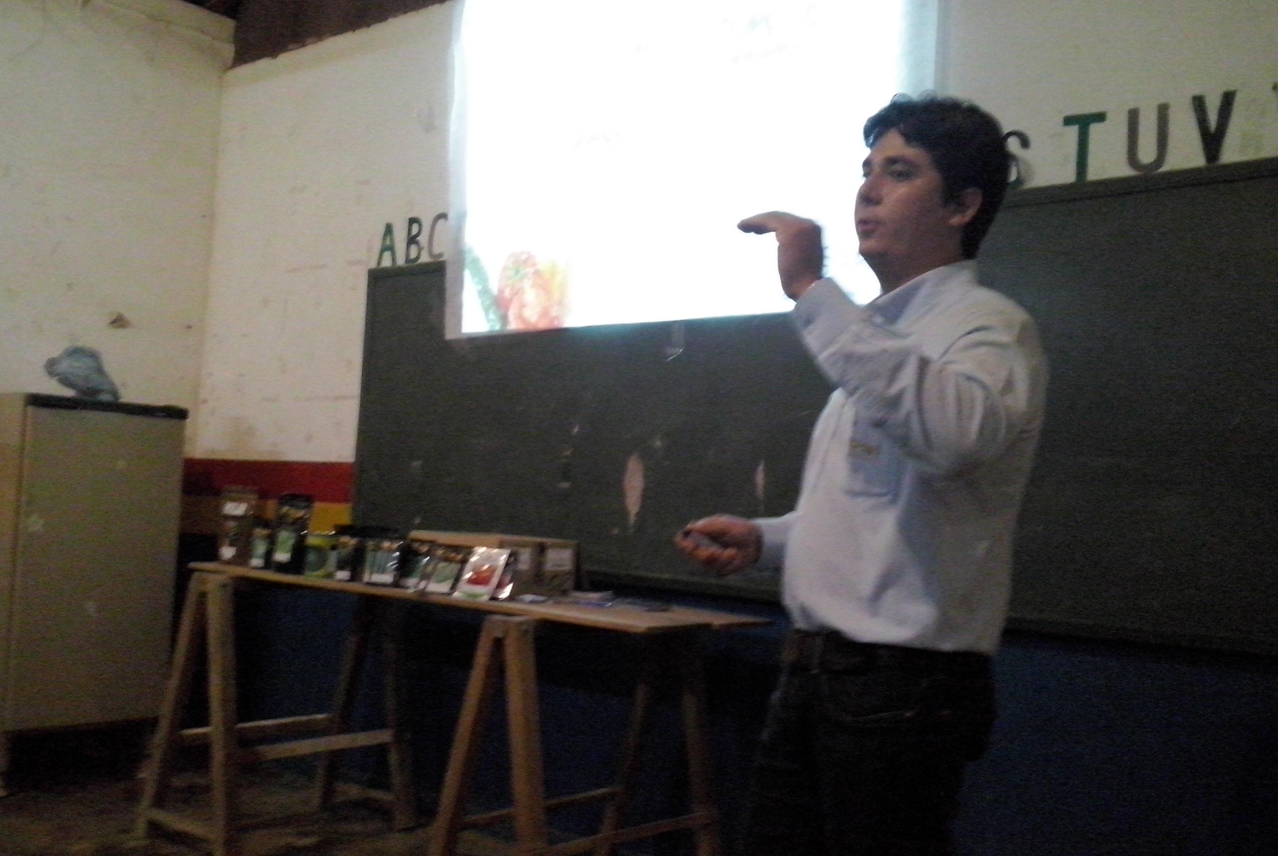 Equipe de vendas Agristar realizou palestra em Curvelândia (MT)