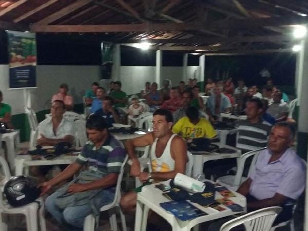 Palestra sobre Dominador F1 é realizada em São José de Ubá (RJ)
