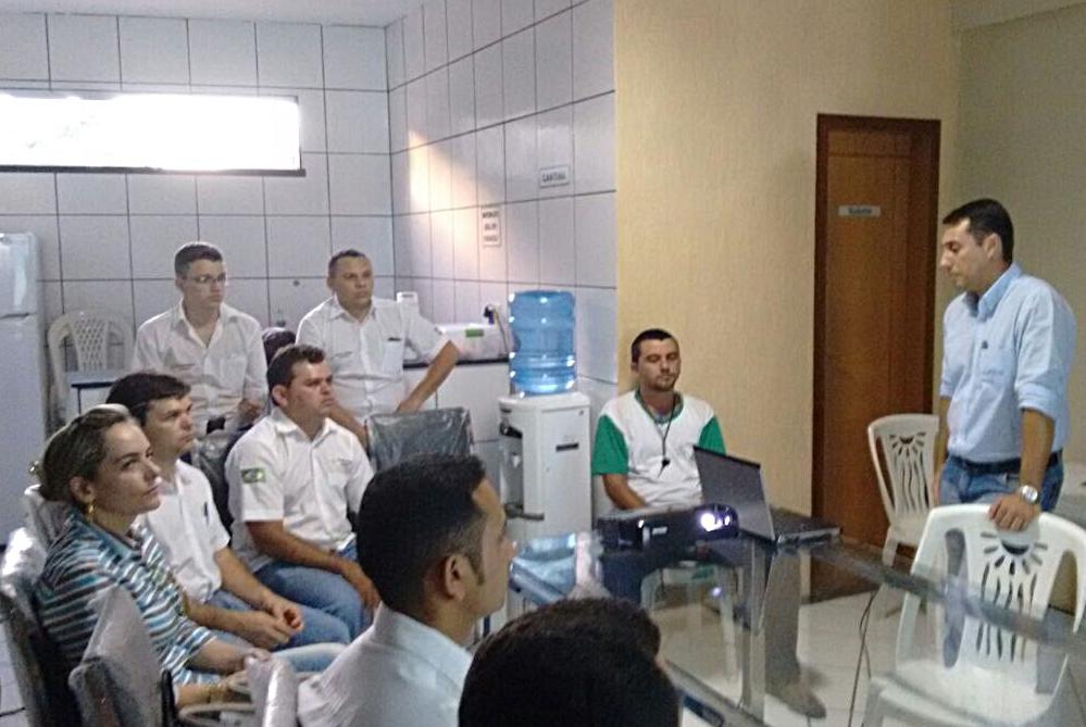 Especialista em Tomates realiza treinamento em Guaraciaba do Norte (CE)