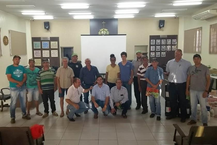 Topssed Premium organiza palestra para produtores de São Manoel (PR)
