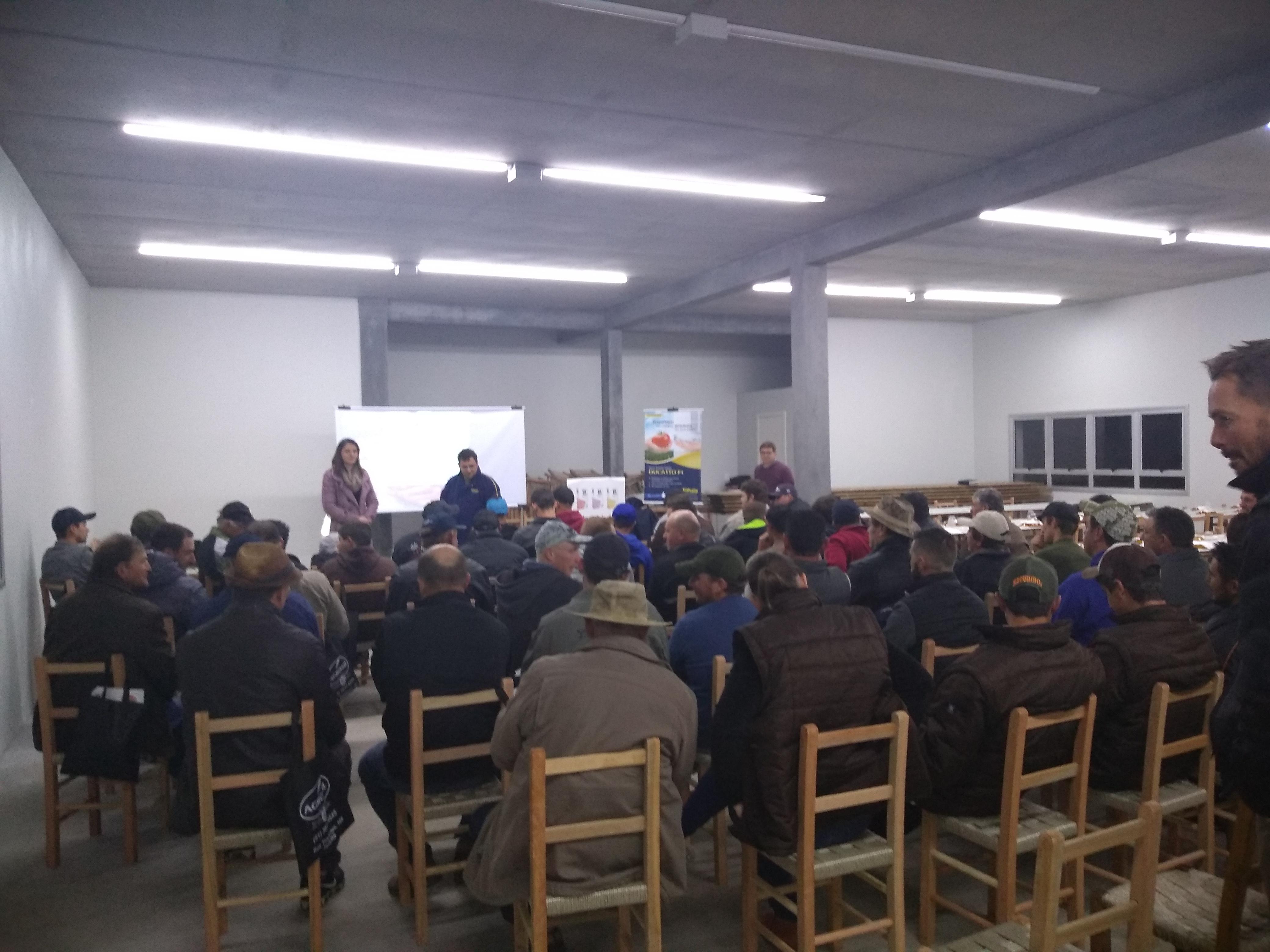 Agrosul e Topseed Premium promovem palestra em Santa Lúcia do Piaí (RS)