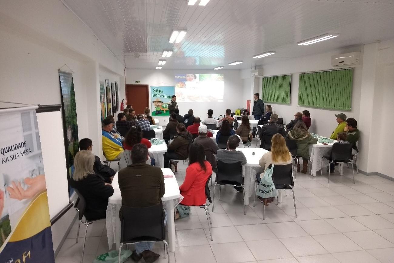 Palestra sobre a linha Topseed Premium é realizada em Venâncio Aires (RS)